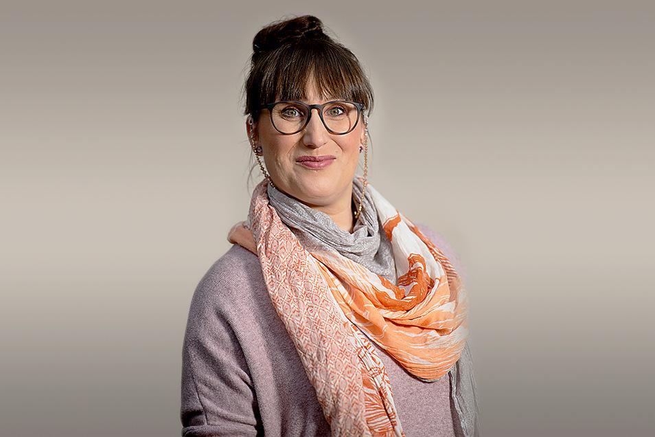 """Dina Stiebing """"brennt"""" für den Waldkindergarten Pirna. Sie ist Vorstandsvorsitzende des Trägervereins und freut sich über den guten Zulauf der besonderen Einrichtung."""