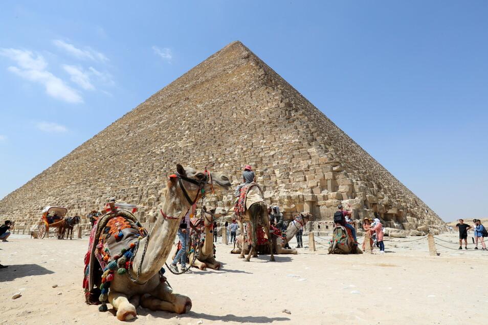 Weniger Touristen als üblich besuchen auch den Aussichtspunkt der Gizeh-Pyramiden.