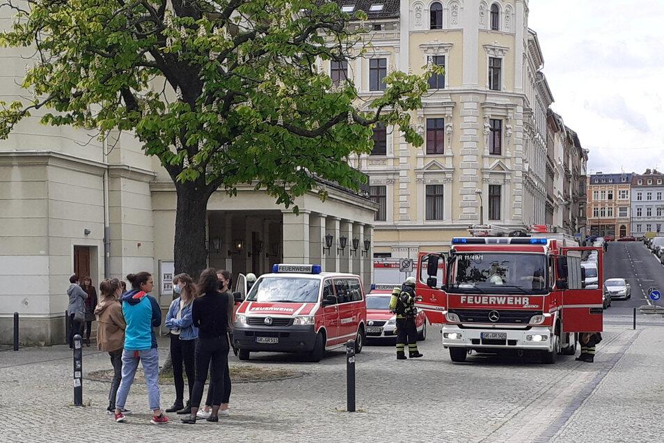 Feuerwehreinsatz am Donnerstag im Theater: Die Beschäftigten mussten raus.