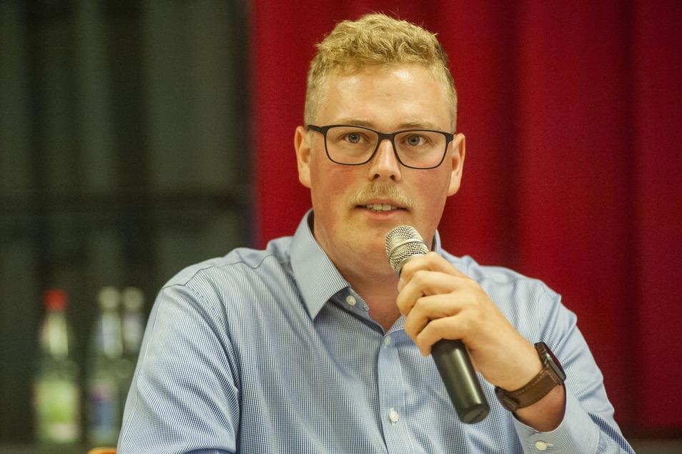 Der neue Linken-Kreischef Erik Christopher Richter im Sommer vergangenen Jahres während einer Veranstaltung der Landeszentrale für politische Bildung in Großenhain.