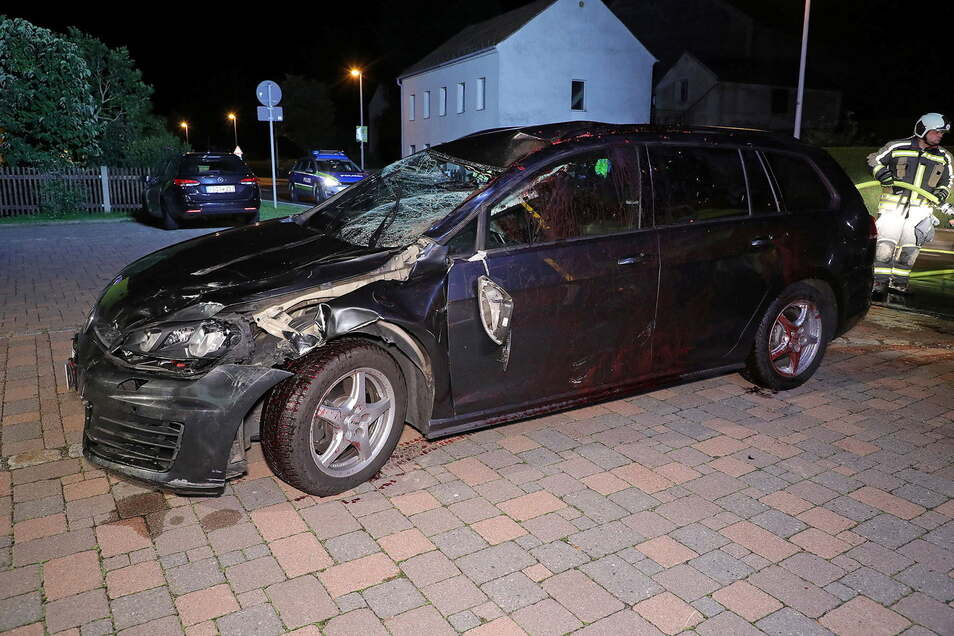 Am Unfallwagen entstand Totalschaden.