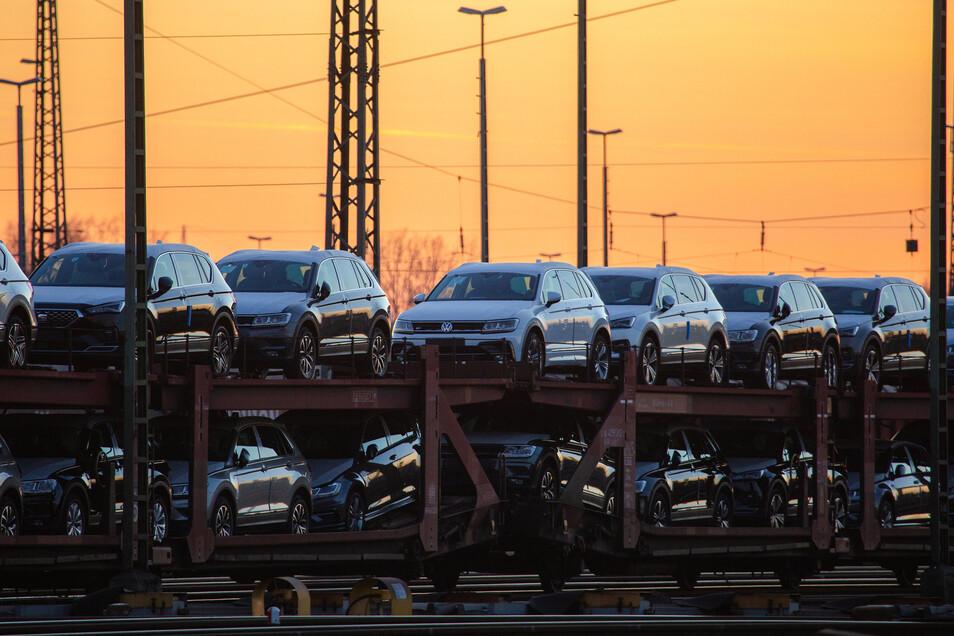 In der Autobranche geht es vor allem kleineren Zulieferfirmen in der Corona-Krise schlecht. Für sie dringt die Gewerkschaft IG Metall auf eine besondere Hilfe des Staates.