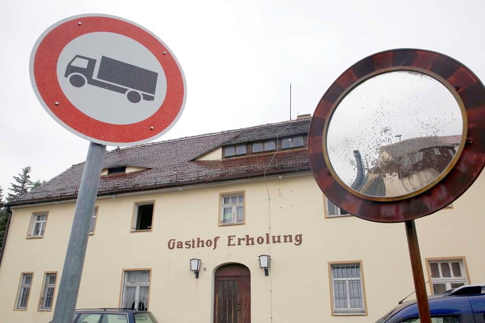 """Im ehemaligen Jesauer Gasthof zur Erholung befindet sich die Diskothek """"Herbert"""". Von außen unscheinbar, von innen flippig-cool."""