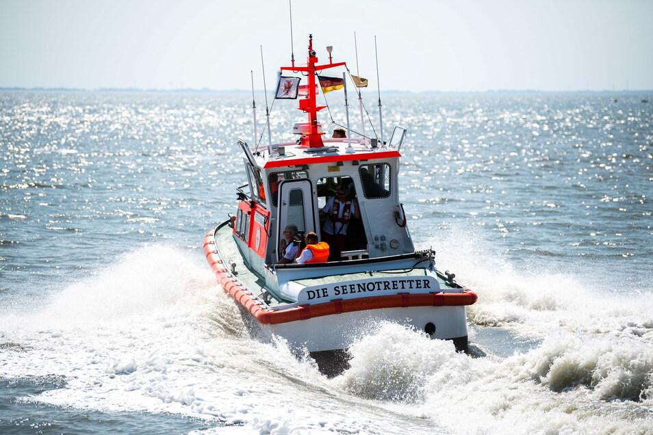 Seenotretter beim Einsatz in der Ostsee.