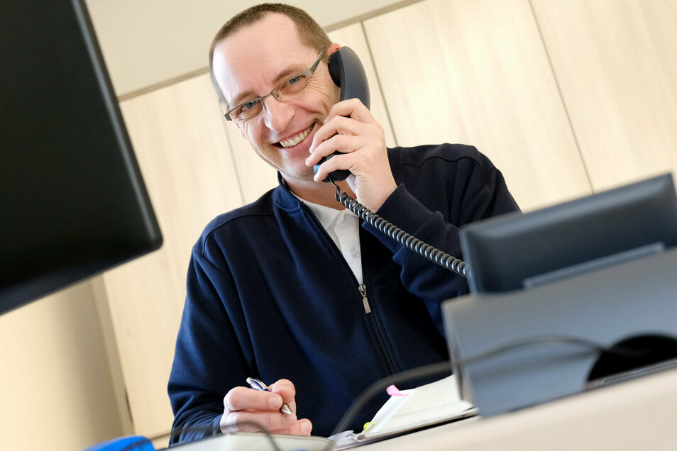 Die Caritas bietet ihre Schuldnerberatung regulär an: am Telefon, online oder persönlich mit Termin. Nur die offenen Sprechstunden fallen coronabedingt aus, informiert Sandro Vogt.