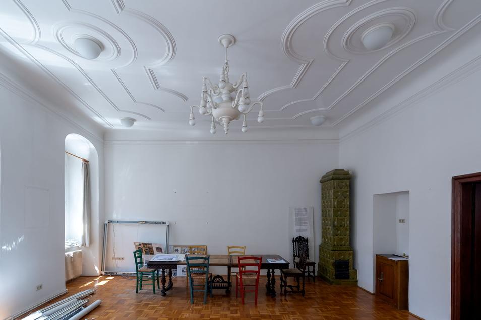 Was mit diesem Zimmer und dem benachbarten ehemaligen Labor im ersten Obergeschoss wird, steht noch nicht fest. Derzeit nutzt es Urte Falk als Baubüro für die Sanierung des Hauses An den Fleischbänken 7 in Bautzen.