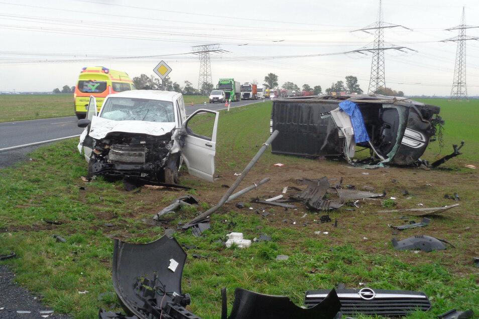Dieses Bild bot sich den Einsatzkräften am Unfallort.