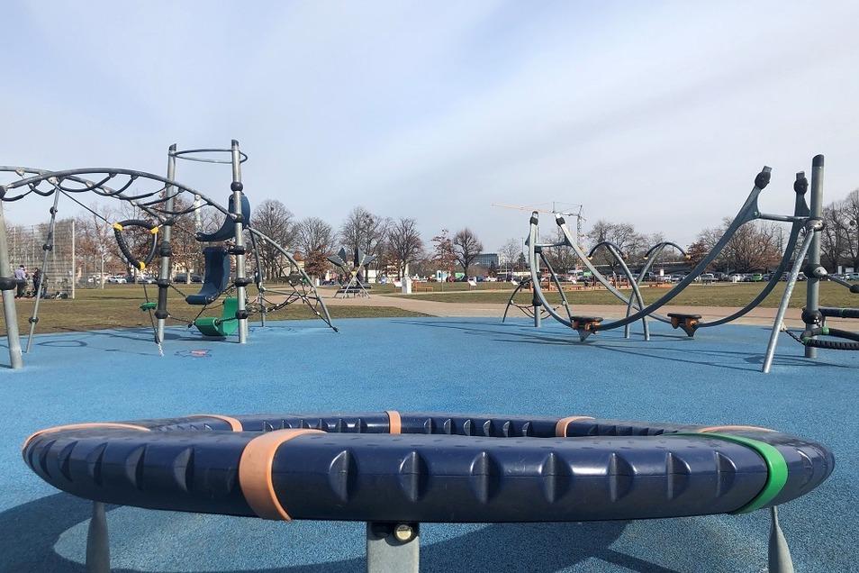 Im Ostragehege wird´s auf dem Spielplatz sportlich.