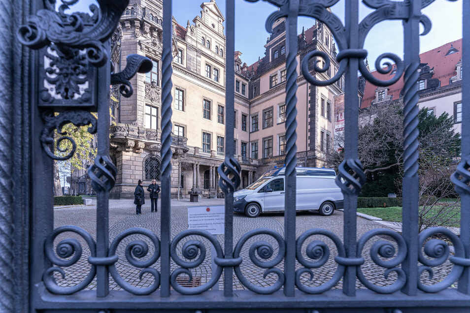In der Schatzkammer der Dresdner Residenz, dem Grünen Gewölbe, ist Ende 2019 eingebrochen worden. Jetzt gibt es eine Razzia in Berlin.