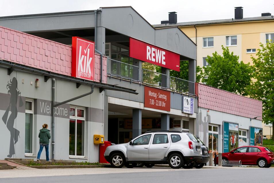 Die Tage des alten Rewe-Marktes in Neustadt sind gezählt.