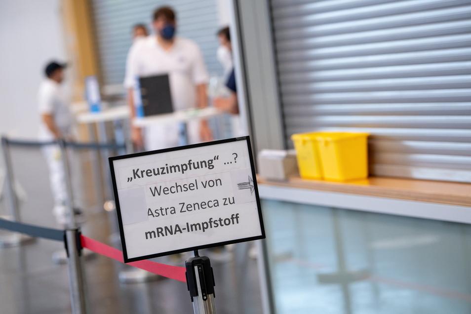 Auch im Impfzentrum Pirna gibt es jetzt Kreuzimpfungen.