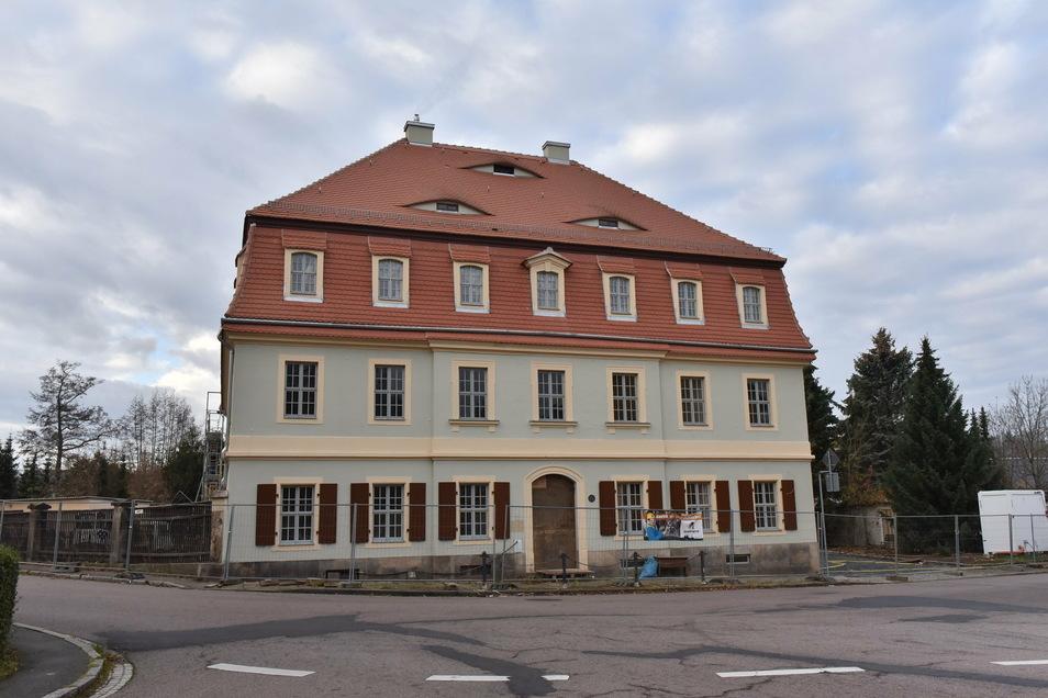 So sieht die sanierte Fassade des Dippser Museums aus. Rechts davon wird der neue Haupteingang geschaffen.