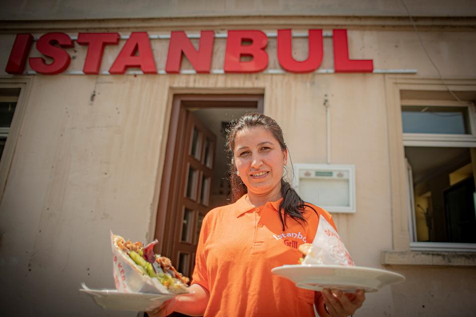 Semra Tekce ist die neue Chefin des Istanbul-Grills an der Pfortenstraße in Kamenz. Nach zwei Jahren Schließzeit wurde der Laden jetzt wieder eröffnet.