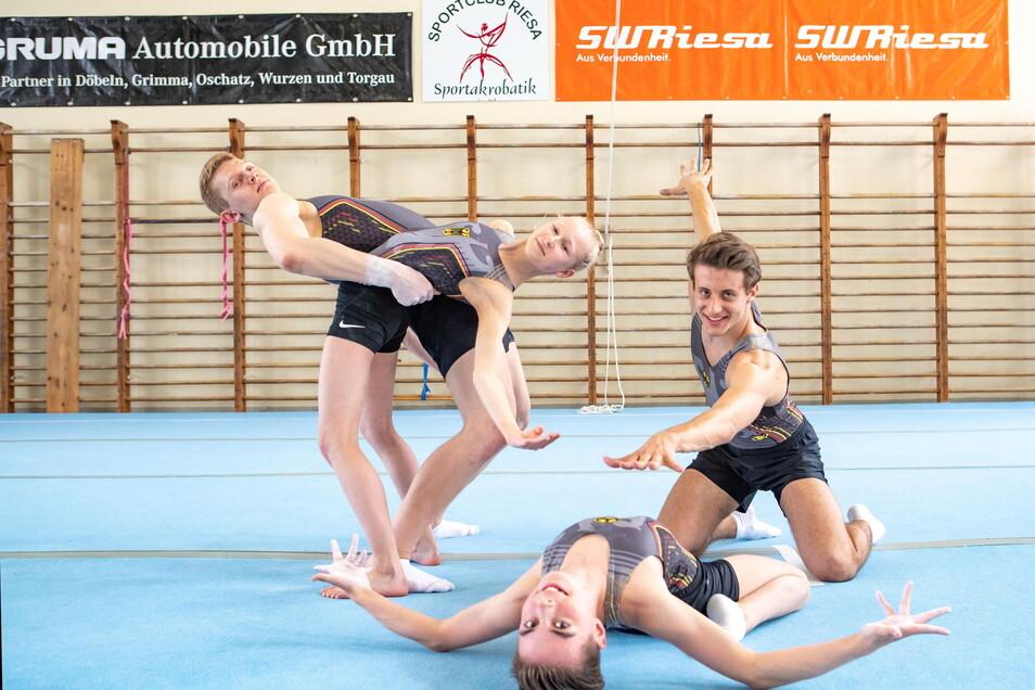 Neben Kraft und Ausdauer werden auch tänzerische Elemente von den Sportakrobaten aus Dresden, Hoyerswerda und Riesa verlangt.