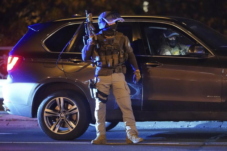Hunderte Polizisten sind in der Wiener Innenstadt im Einsatz.