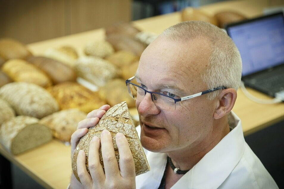 Michael Isensee vom deutschen Brotinstitut kontrolliert regelmäßig im Landkreis Görlitz die Qualität von Brot und Brötchen. Meistens kann er ein gutes Zeugnis ausstellen.