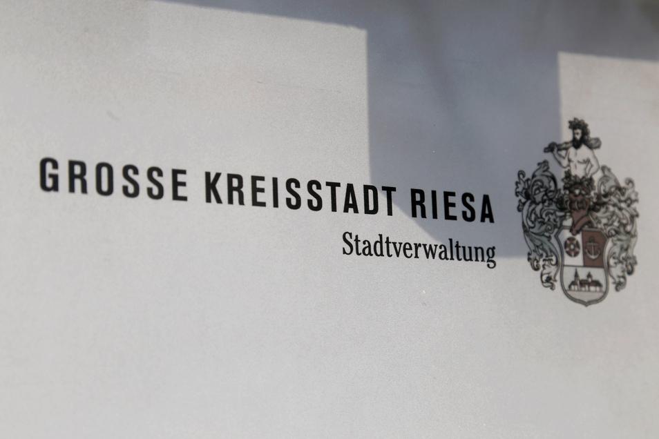 Für Bürger derzeit geschlossen: das Riesaer Rathaus.