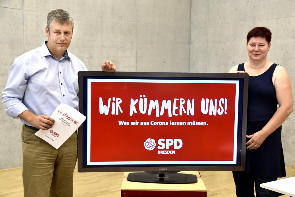 SPD-Parteichef Albrecht Pallas und Fraktionschefin Dana Frohwieser stellen ihre Ideen und die neue Kampagne vor.