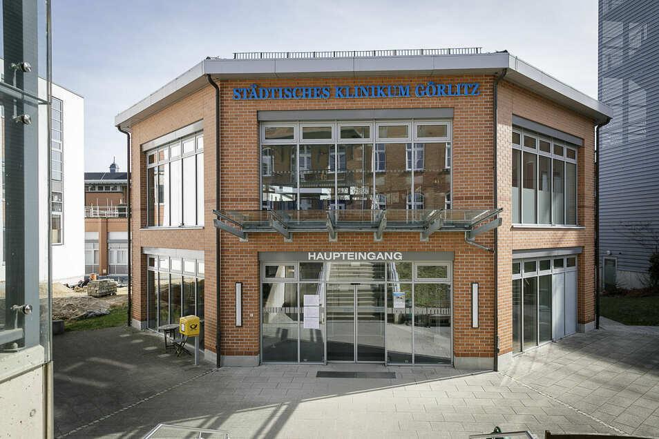 Haupteingang des Städtischen Klinikums