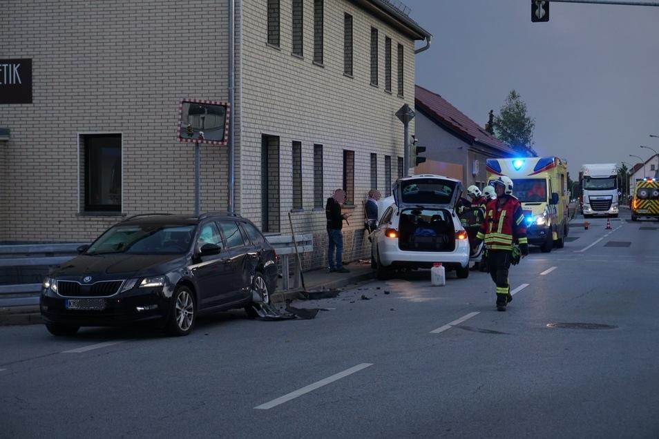 Am Unfall waren ein schwarzer Skoda Octavia und ein weißer Opel Astra beteiligt.