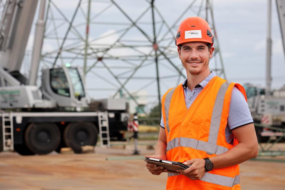 Der 30-jährige Elektroingenieur Johannes Herbrich ist Teil-Projektleiter bei 50 Hertz und trägt die Verantwortung, dass der Mastaustausch reibungslos verläuft.
