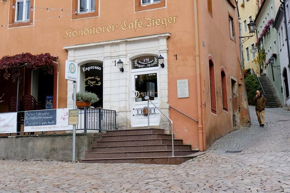 Die Fummel - das Vorzeigeprodukt der Konditorei Zieger - soll dem Platz vor dem Geschäft jetzt den Namen geben. An der postalischen Anschrift dürfte dies allerdings nichts ändern.