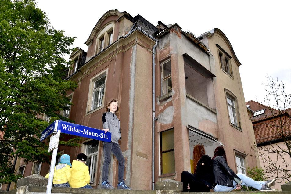 Im vergangenen Jahr war die Villa noch bewohnt, die Familien sind inzwischen ausgezogen.
