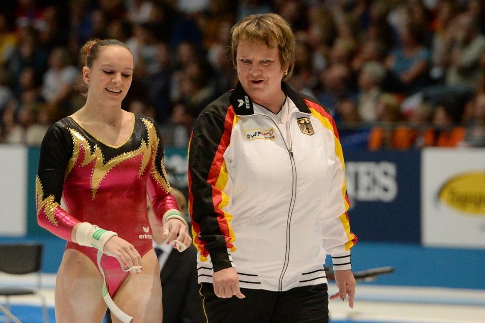 Ein starkes Team: Turnerin Sophie Scheder, die Olympia-Bronze gewann, und ihre Trainerin Gabriele Frehse.