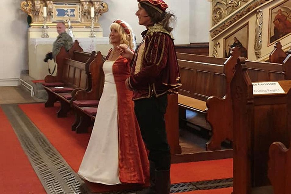 Mit Gottes Segen will Jutta von Kittlitz ihren geliebten Ritter Seyfried von Loeben noch öfter in der Spremberger Kreuzkirche heiraten.