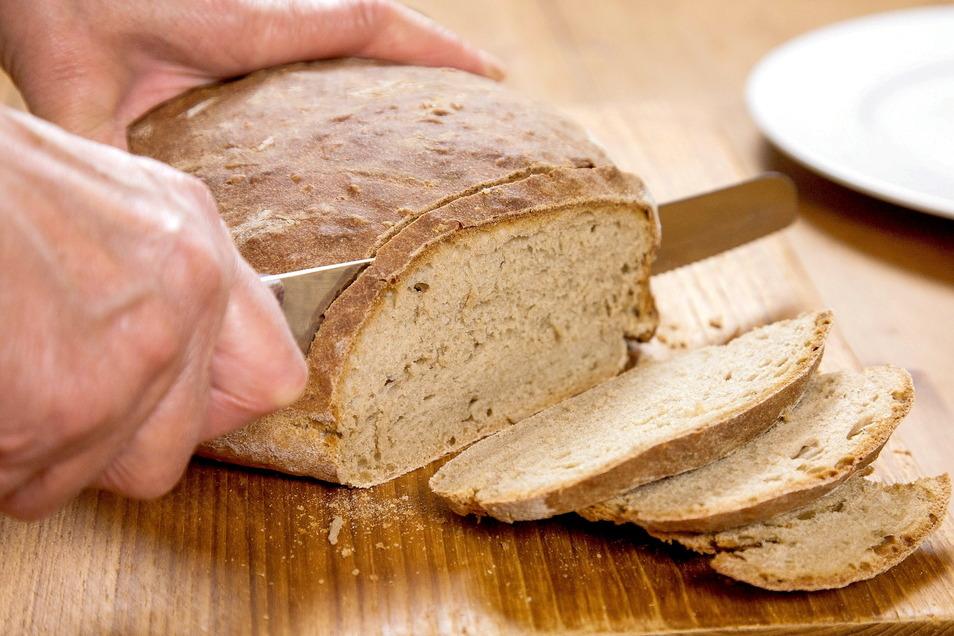 Brot sollte man bei feuchtheißem Wetter besser im Kühlschrank lagern.