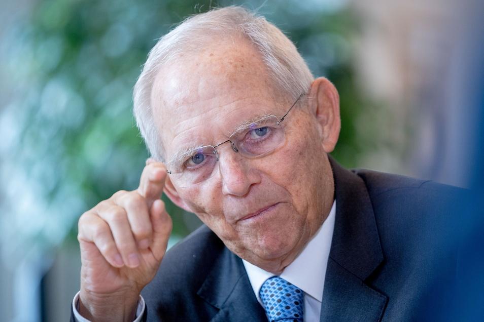 Wolfgang Schäuble (CDU) zieht sich aus der ersten Reihe zurück. Bei der Neuaufstellung der Partei will der bisherige Bundestagspräsident keine führende Rolle mehr übernehmen