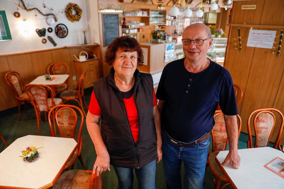"""46 Jahre haben Barbara und Klaus Schreiber das """"Café Giersch"""" in Ostritz betrieben - so lange wie keiner ihrer Vorgänger."""