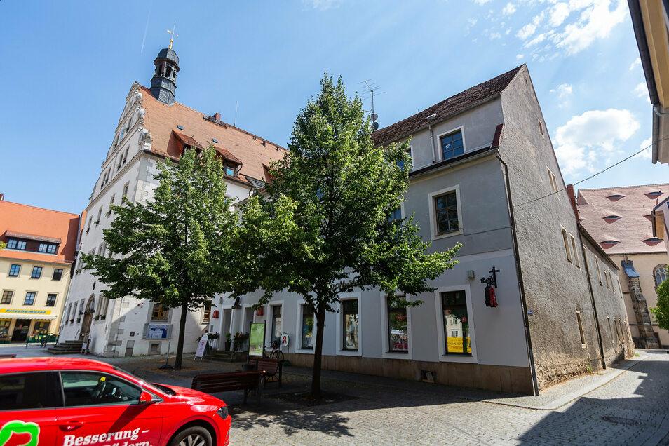 Große Pläne hat Dipps mit dem Gebäude neben dem Rathau. Das wird zum Technischen Rathaus umgestaltet und mit dem Rathaus verbunden. Auf ganz besondere Weise.