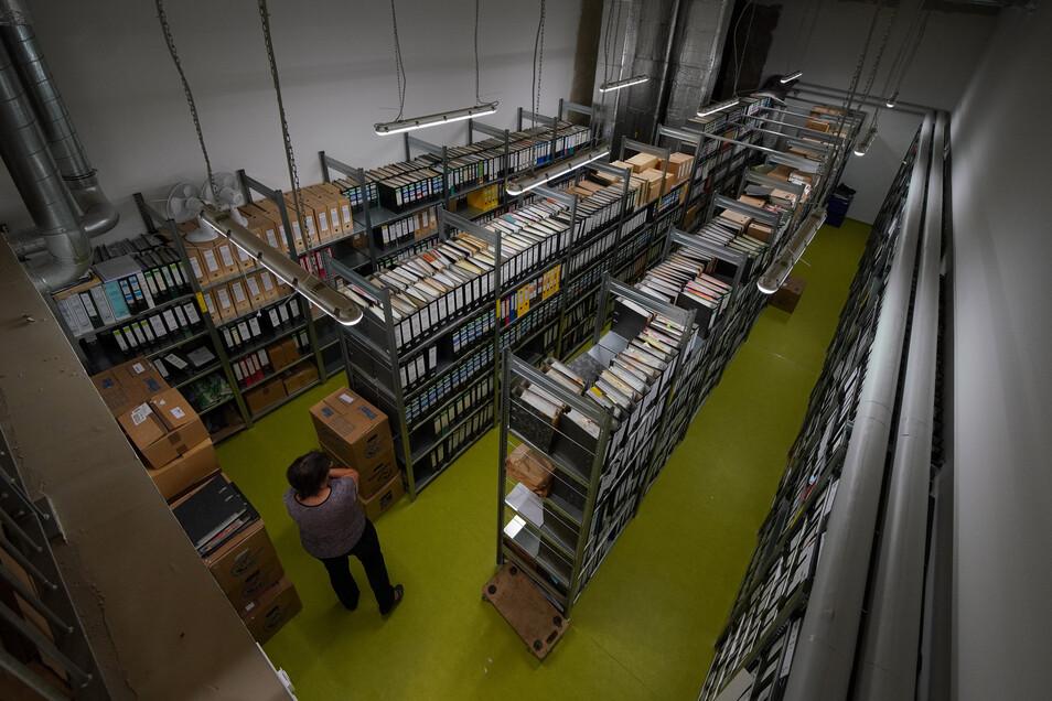 Das Archiv der Gemeinde Wachau findet jetzt ausreichend Platz. Im alten Gemeindeamt ging es sehr eng zu.