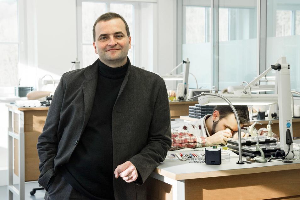 In der von Uwe Ahrendt geführten Uhrenfirma Nomos wurde die Produktion heruntergefahren.