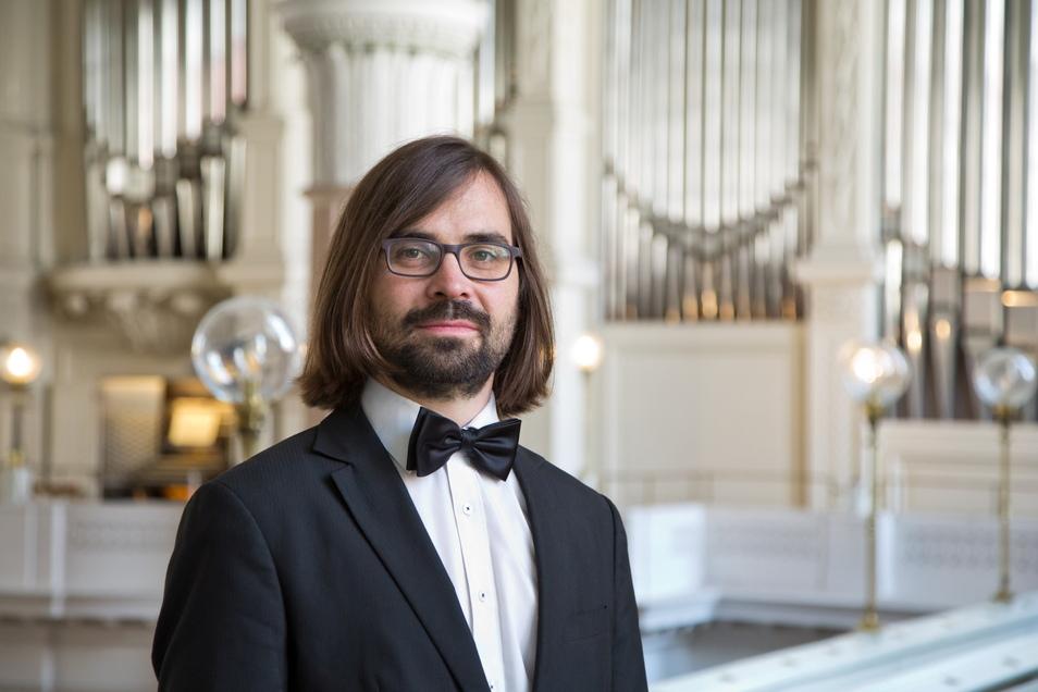 Nikolaikantor Lucas Pohle eröffnet gemeinsam mit dem Thüringer Bach Collegium und Florin Iliescu an der Violine am 10. September in der Kirche in Baruth das zweite Kammermusikfest Oberlausitz.