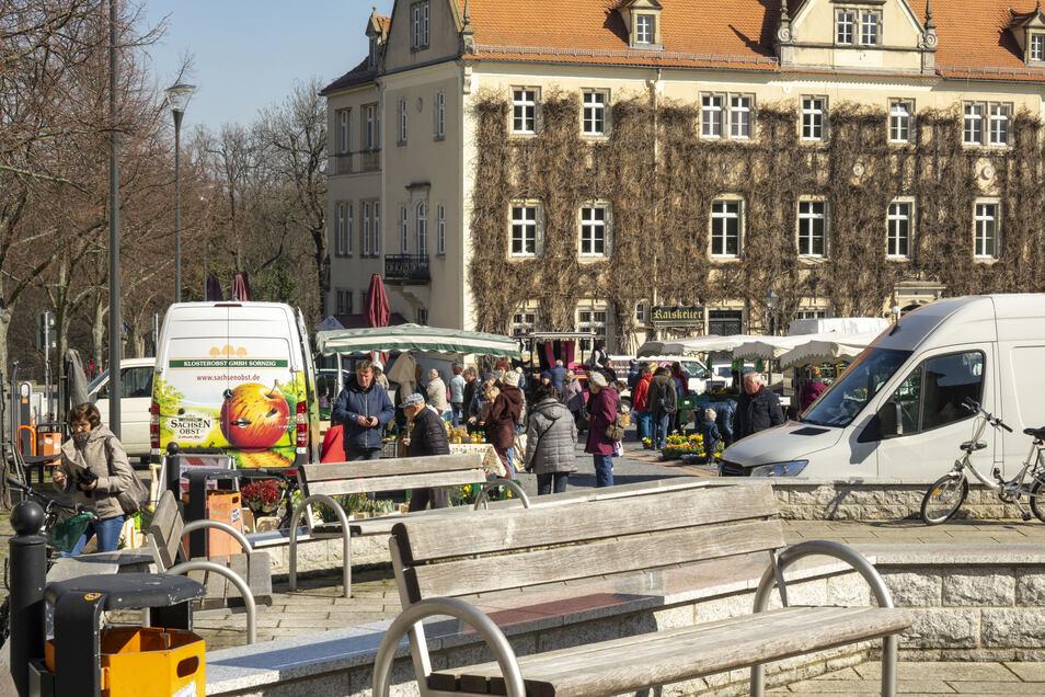 Nach einer Woche darf der Wochenmarkt in Riesa wieder öffnen.
