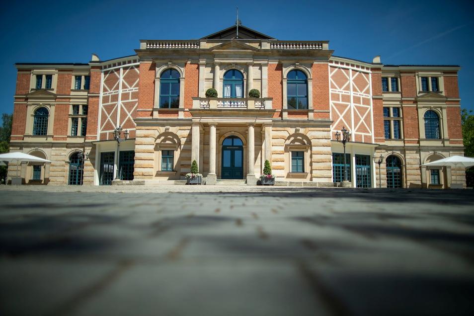 Das Festspielhaus in Bayreuth wird von Sonntag an wieder zum Mekka für Richard-Wagner-Fans in aller Welt.
