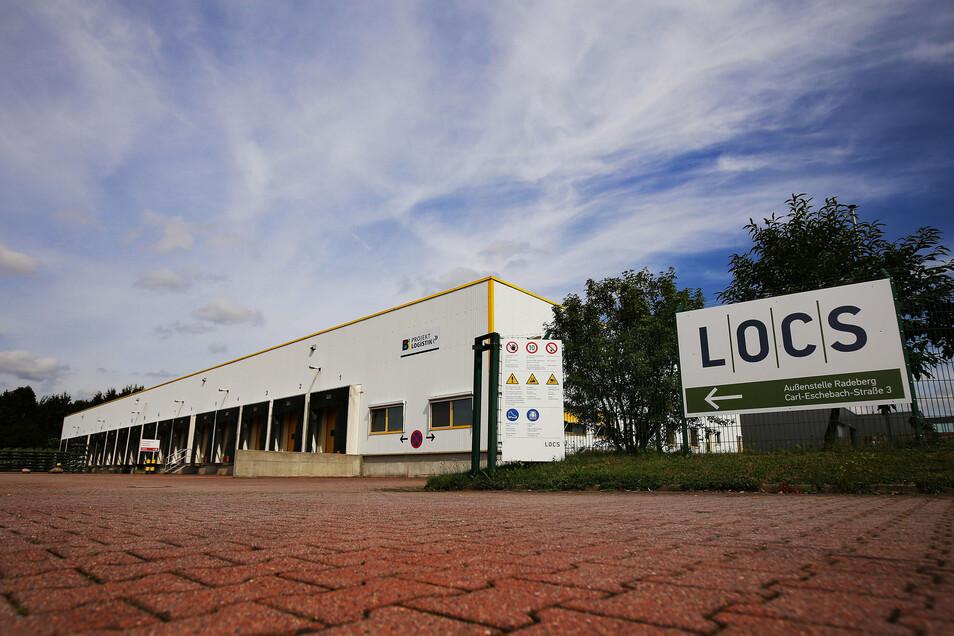 Das Transport- und Logistikunternehmen Locs hat volle Auftragsbücher und entsprechend viel zu tun. Lkws der Firma sorgten mitunter für Staus. Jetzt entschärft sich die Situation.
