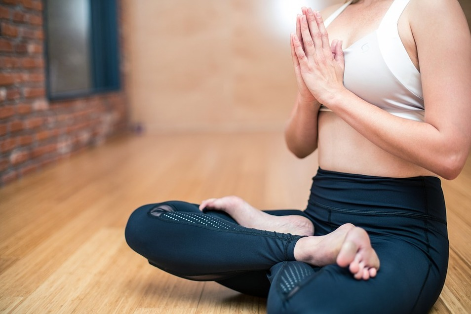 Für alle die entspannen wollen, gibt es auch einen Yoga- und Pilateskurs.