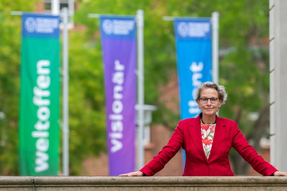 Seit August ist die Psychologieprofessorin Ursula M. Staudinger Rektorin der TU Dresden, einer der wenigen deutschen Elite-Unis. Im Interview spricht sie darüber, wie die Uni mit der nun nachgewiesenen Fälschung einer Psychiatrie-Studie umgehen will.