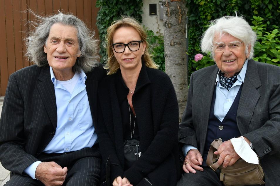Die Schauspieler Winfried Glatzede (l-r), Victoria Sturm und Heinz Behrens