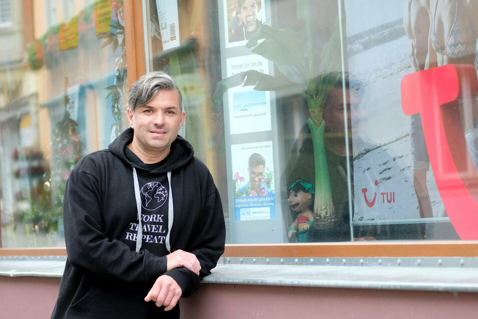 Bodo Hausen aus Lommatzsch kämpft um sein Reisebüro, das er seit 25 Jahren betreibt.