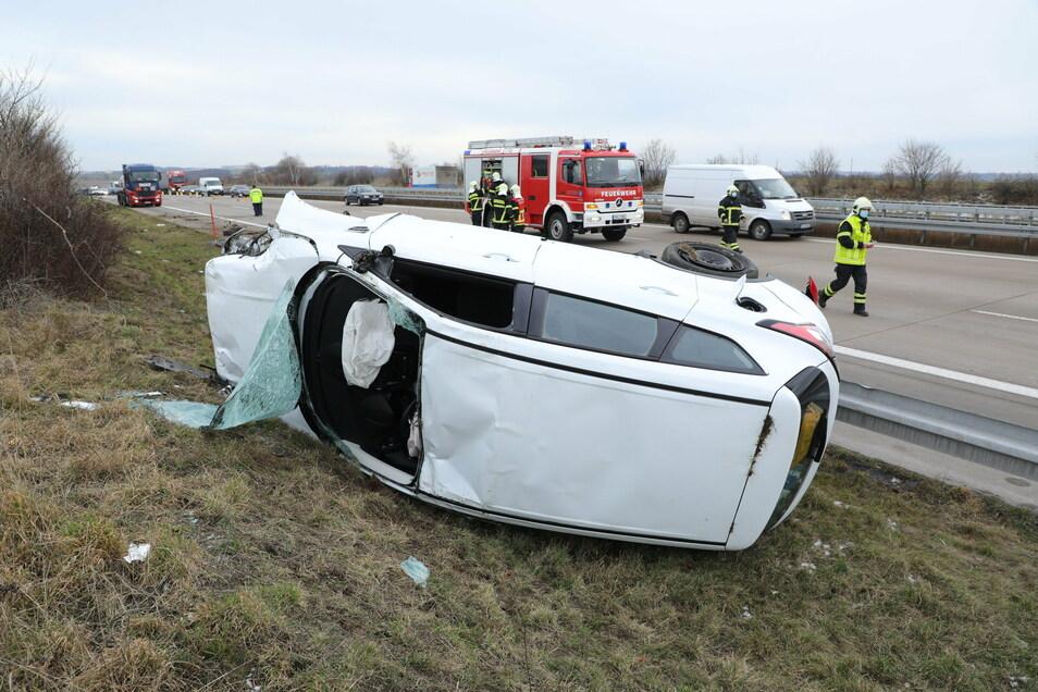 Ein Unfall mit einem schwerverletzten Fahrer ereignete sich am Montagvormittag auf der A4.