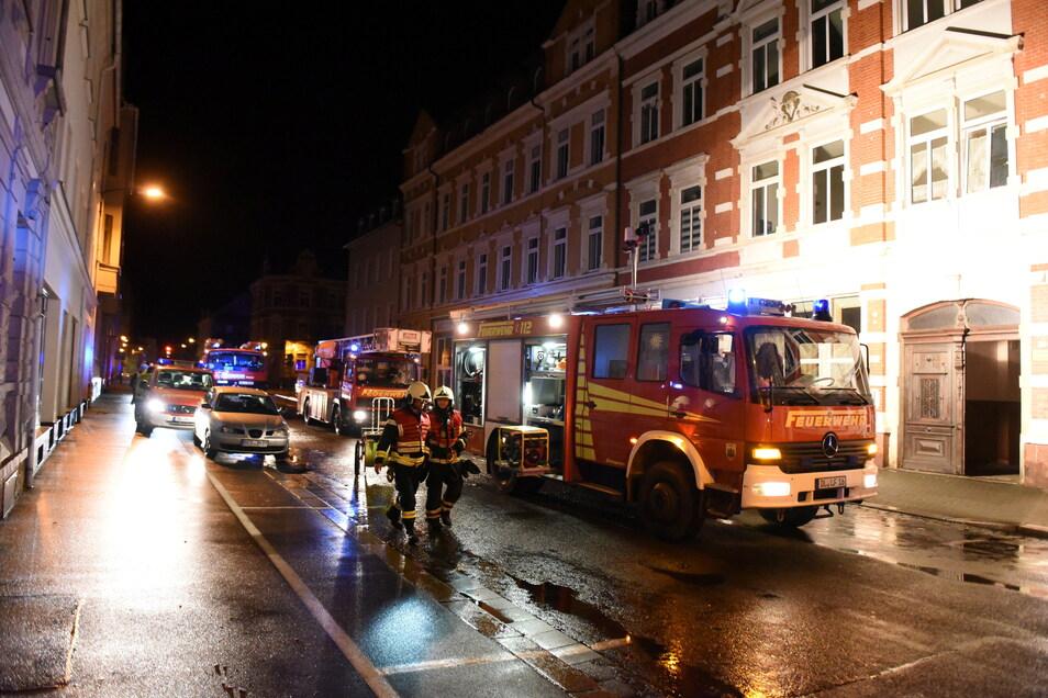 Feuerwehr, Polizei und Landeskriminalamtsind im Januar 2020 zu einem Brand an die Döbelner Bahnhofstraße ausgerückt.