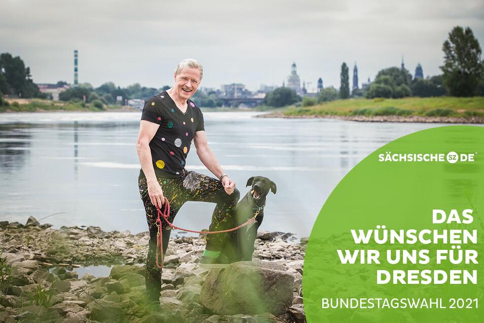 Wolle Förster mit seinem Hund am Elbufer unterhalb des Brauhaus Watzke.