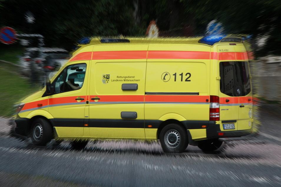 Rettungsdienst und Polizei hatten am Samstagmittag in Waldheim zeitgleich zwei Einsätze.