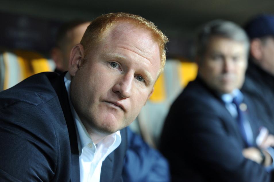 Gladbachs U23-Fußballtrainer Heiko Vogel hat mit einer Bemerkung gegenüber einer Schiedsrichterin eine Debatte über Diskriminierung von Frauen im von Männern dominierten Sport ausgelöst.