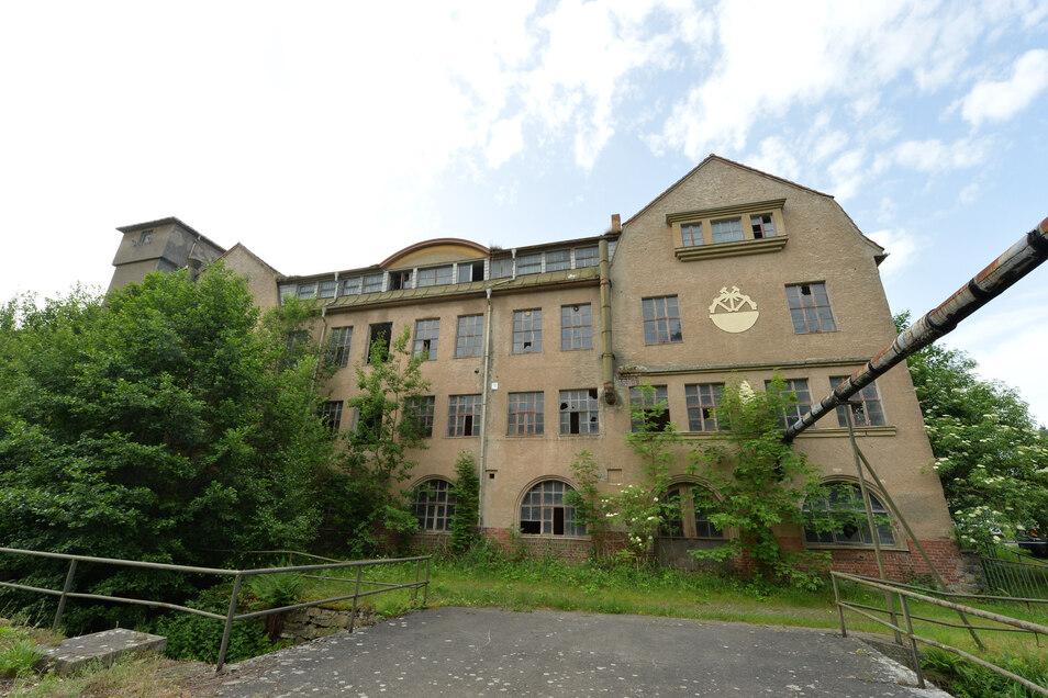 Die ehemalige Stuhl- und Möbelfabrik Hoffmann & Kittel in Colmnitz. Zuletzt betrug der Kaufpreis 3 600 Euro.