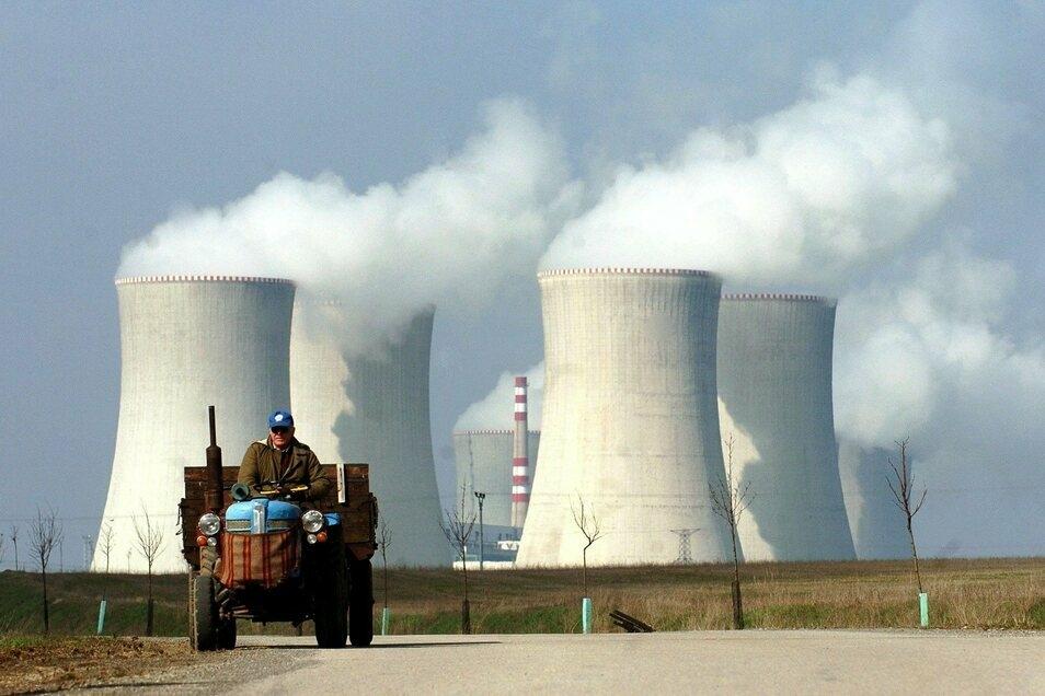 Blick auf das Atomkraftwerk Dukovany.